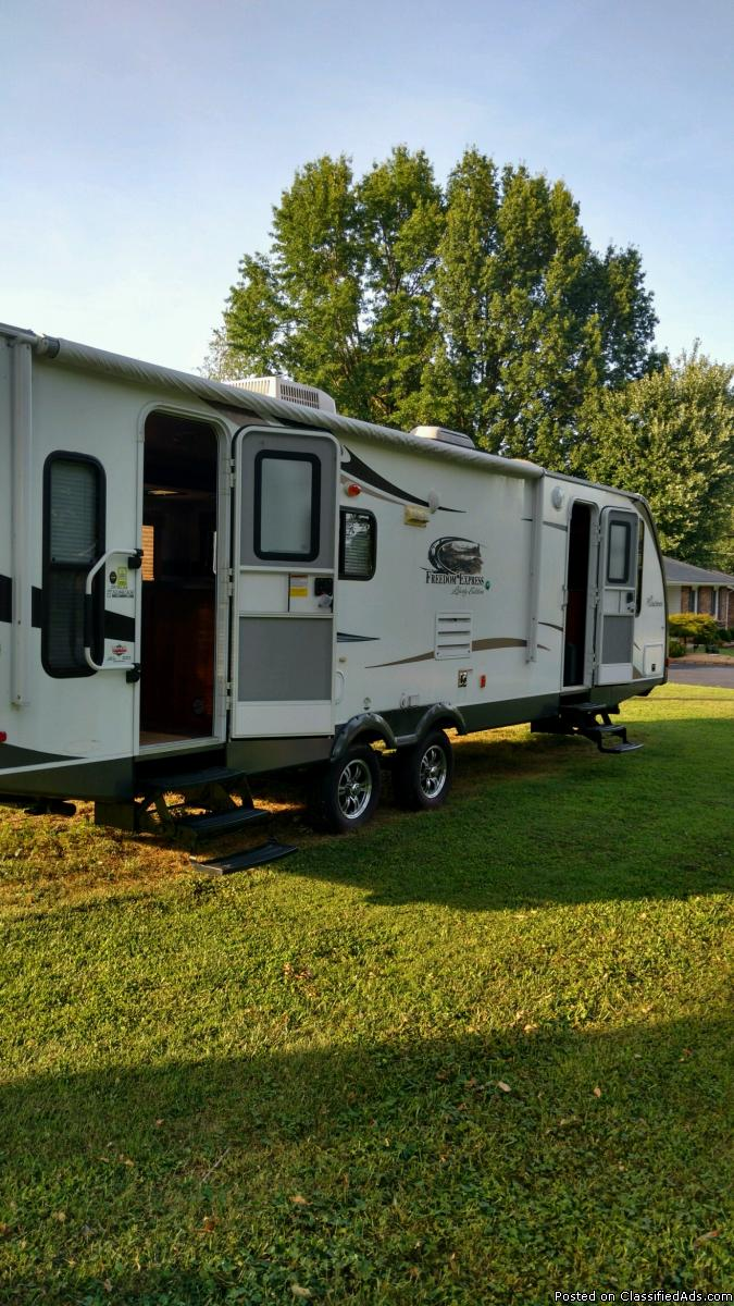 2012 Freedom Express Camper