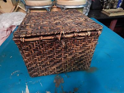 Vintage Square Woven Wicker Basket with Lid