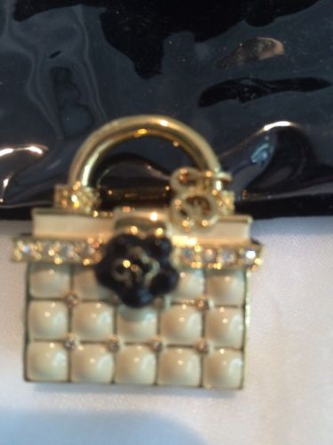 St. John Cream and Gold Handbag Pin