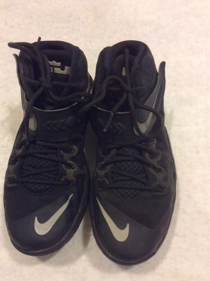 Nike Lebron Soldier VIII 8 Black Basketball Shoes Boy's Youth Size 7Y 653645-004