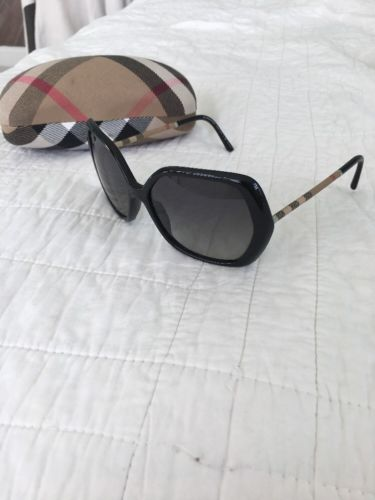 burberry sunglasses women B4122
