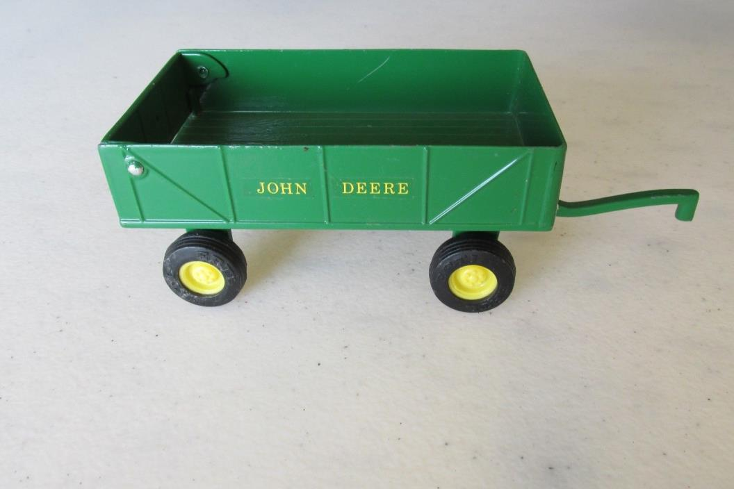 SMALL  JOHN DEERE BOX TRAILER