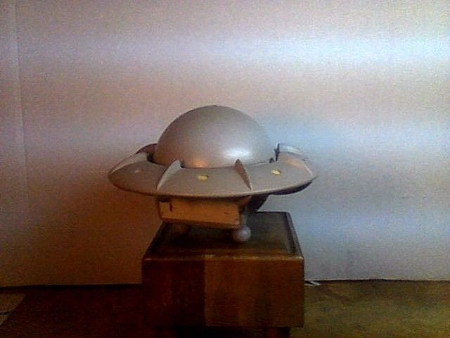 VERY RARE SPACE FLYING SAUCER TOY PROTOTYPE 9 in.