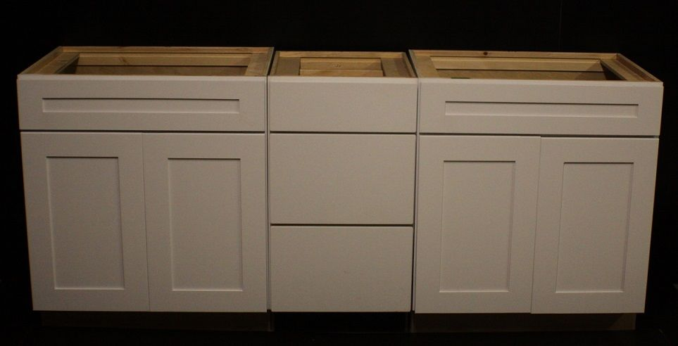 Kraftmaid Dove White Bathrooom Vanity Sink Base Cabinet Set 84