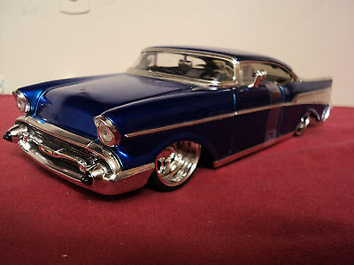 Jada 1957 Chevrolet Bel Air chopped roof  1/24 scale  2005 release blue exterior