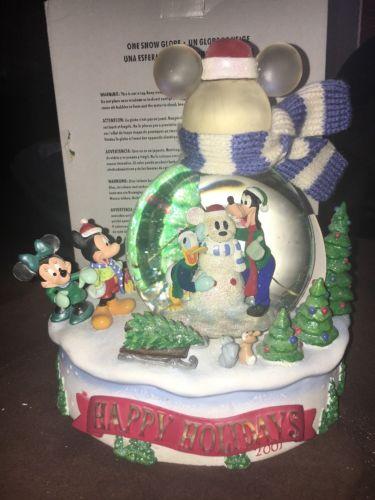 NEW DiSNEY Snowglobe Snow Globe Happy Holidays Winter Wonderland Mickey Mouse
