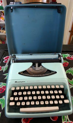 Remington Streamliner Portable Typewriter