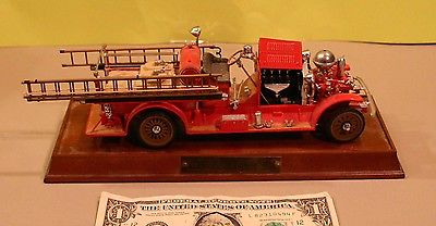 Franklin Mint 1922 Ahrens ( Fox R K 4 ) Diecast Fire Truck Engine 1/32