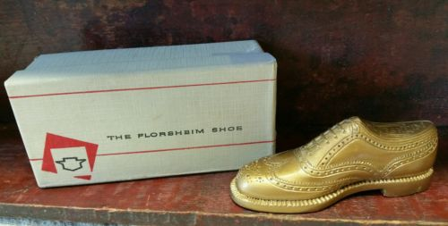 VINTAGE FLORSHEIM MINIATURE SALESMAN SAMPLE SHOE IN BOX