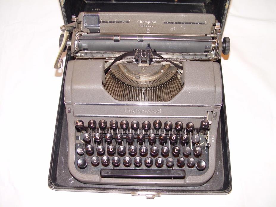 Vintage Typewriter Underwood In Bridgeport Ct For Sale
