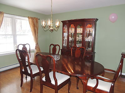 Pennsylvania House Dining Room Set