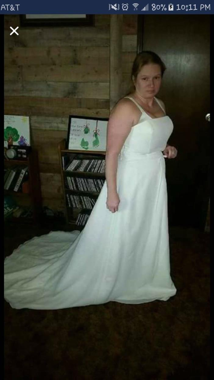 New Ivory Wedding Dress