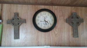 Wall decoration and clock (Ripley)