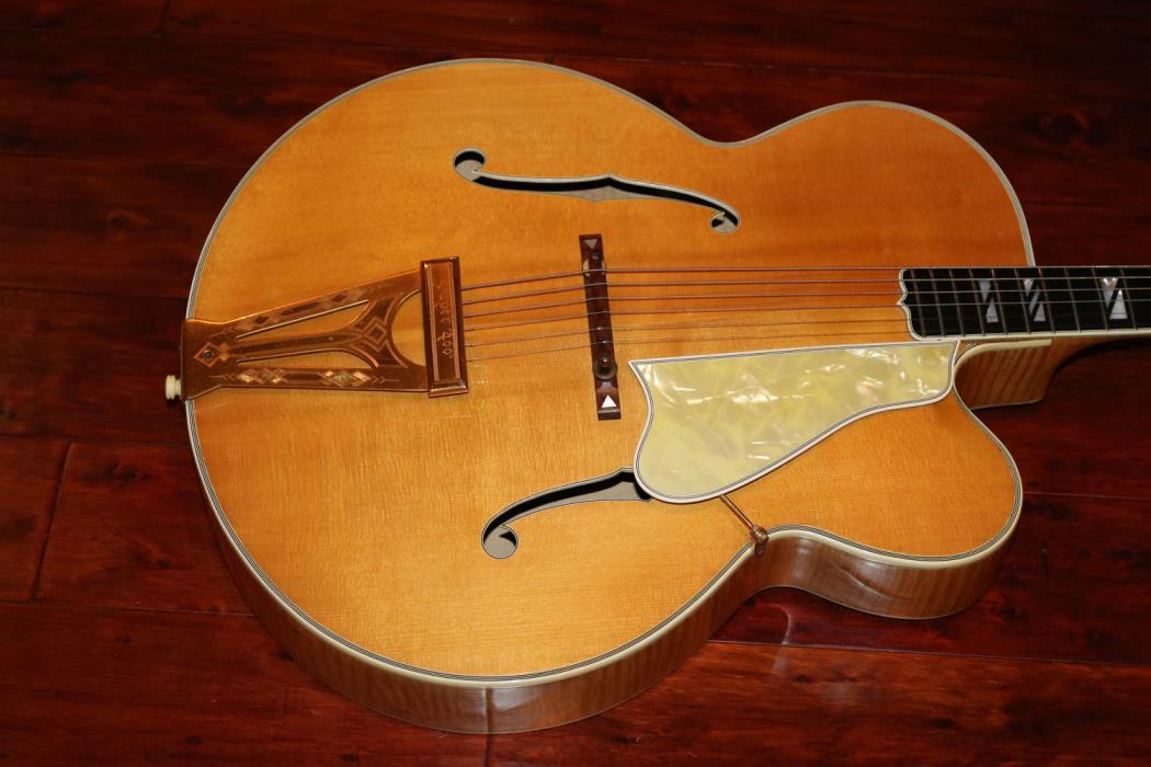 1939 Gibson Super 400 Premiere Cutaway  (GAT0409)