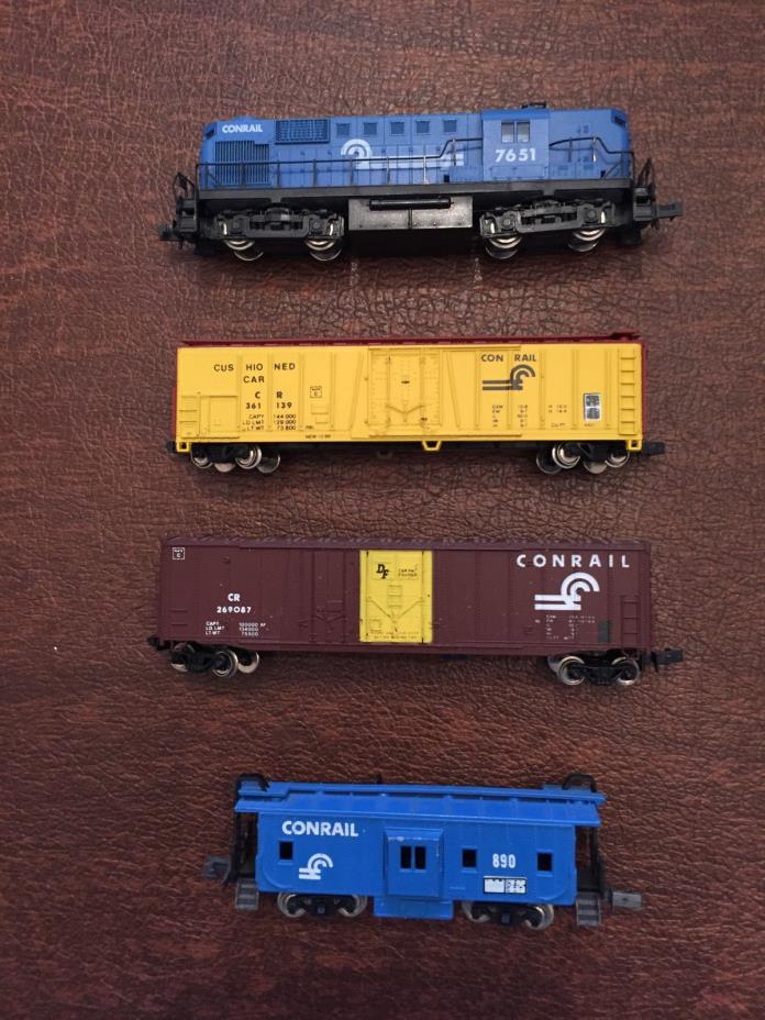 N scale KATO 7651 Engine and 3 freight cars