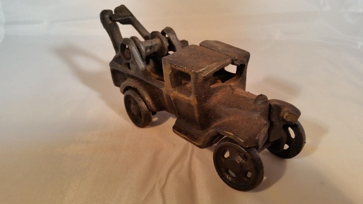 vintage cast iron tow truck