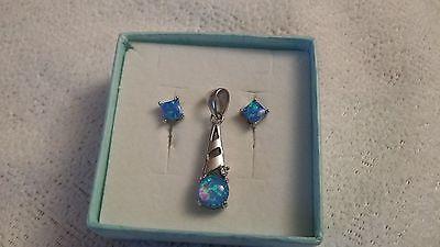 Lovely Fire Opal 925 Sterling Silver Pendant w/ Matching Fire Opal Earrings
