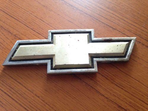 Chevrolet Bowtie Emblem Vintage Silver Gold Truck Pick Up Grille Auto Part