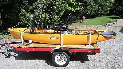 12' HOBIE PRO FISHERMAN KAYAK / LOW RANGE ELITE SONAR WIRED-12VOLT BATTERY & BOX