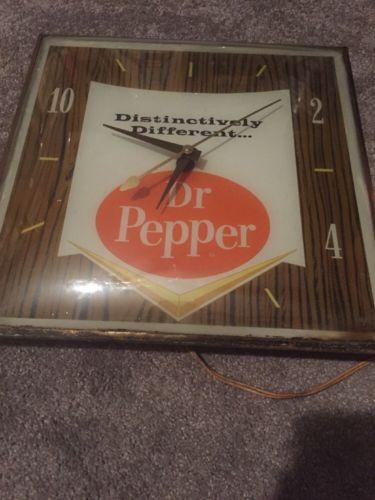 Vintage Dr Pepper Pam clock