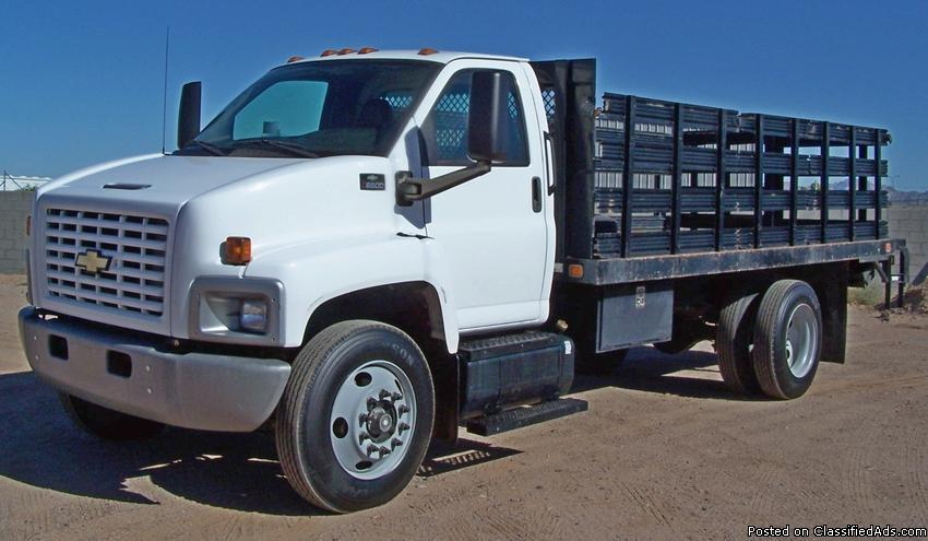 2005 Chevrolet 6500 **Low Mile** Stakebed