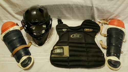 YOUTH'S CATCHERS GEAR