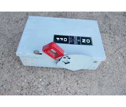 GE TH3361 Fusible 30amp 3-Pole 3-Wire 480 Safety Switch Breaker Box