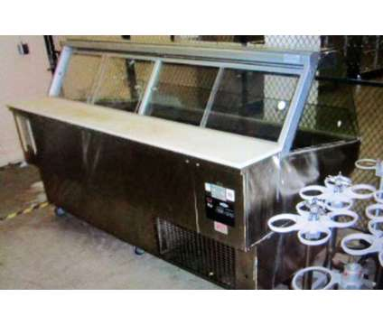 Federal SQ-8CD Cold Market Series Curved Glass Refrigerated Deli Case