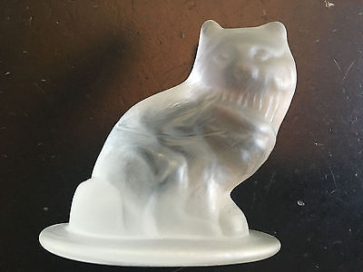Vintage frosted crystal glass seated cat figurine