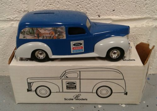 ERTL 1940 FORD PANEL VAN COIN BANK NEW HOLLAND CHRISTMAS