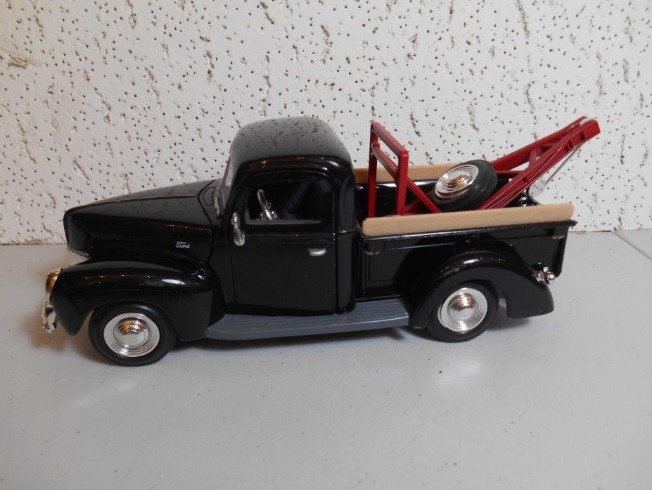 1940 Ford Tow truck  1/24 scale