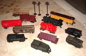 Vintage Lionel Railroad Train Cars