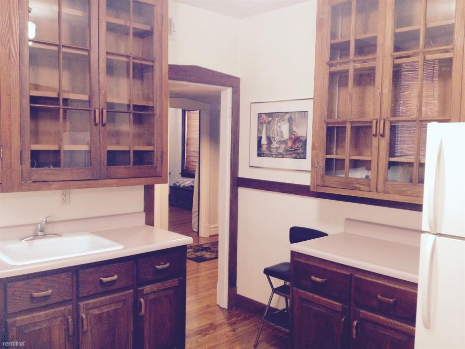 Rental Room for rent 4530 Shenandoah Ave Saint Louis