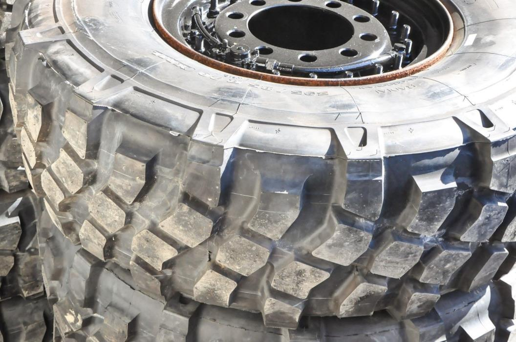 NEW-MICHELIN XML MILITARY TIRE 395/85R20 46 Tall ON 5 TON TRUCK LMTV FMTV M1078
