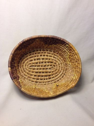 VINTAGE NATIVE AMERICAN PAPAGO OVAL BASKET 9.5