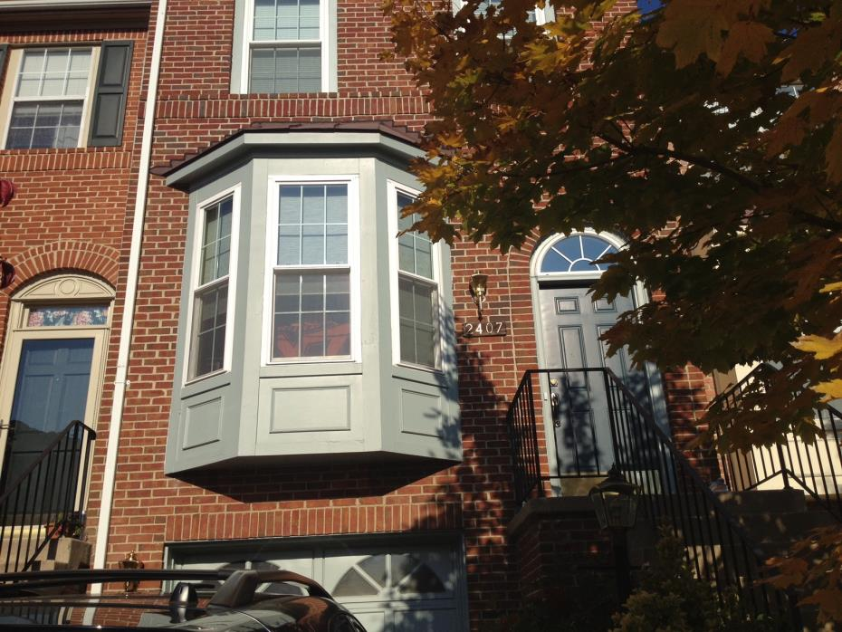 Room for Rent in Herndon Townhouse (Utilities Included)