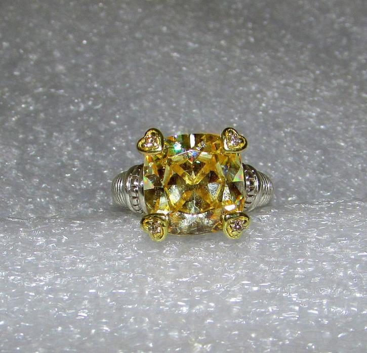 STUNNING JUDITH RIPKA 18K DIAMOND CANARY FONTAINE RING FROM THE JR TWO COLLETION