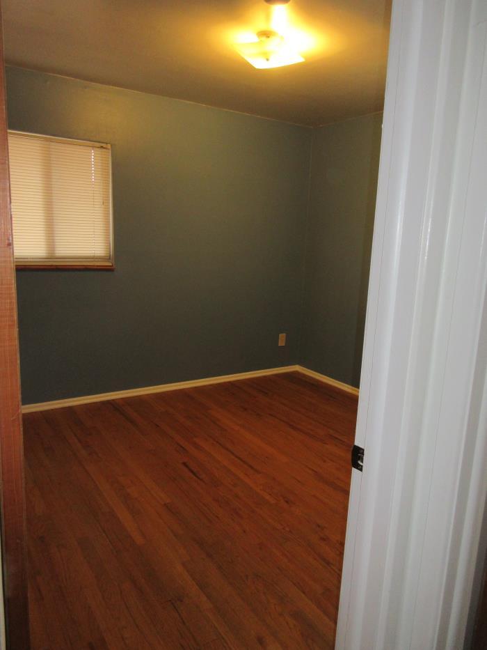 Room Share: One BR/shared bathroom