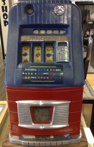 1940's Mills 25c Quarter Slot Machine