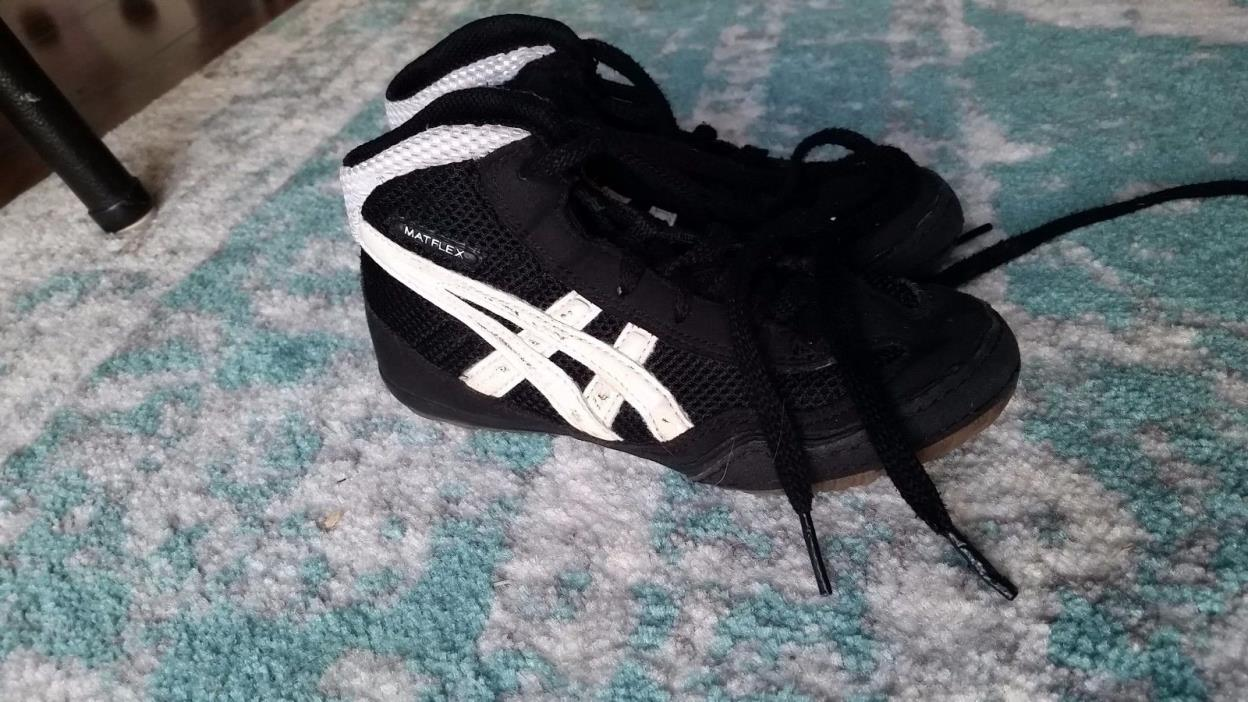 size k12 wrestling shoes