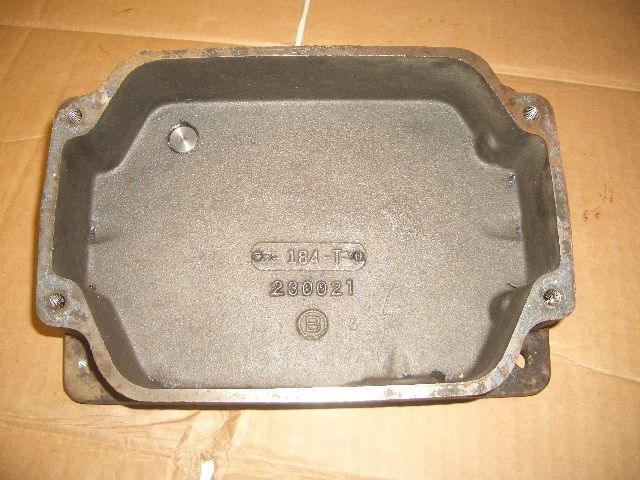 JOHN DEERE 110 OIL PAN BASE 8HP KOHLER K181 ENGINE  STAMPED 230021