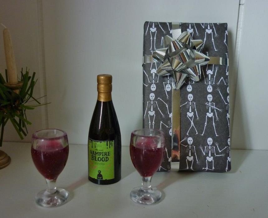 Wine Set Made For Tonner Evangeline Ghastly