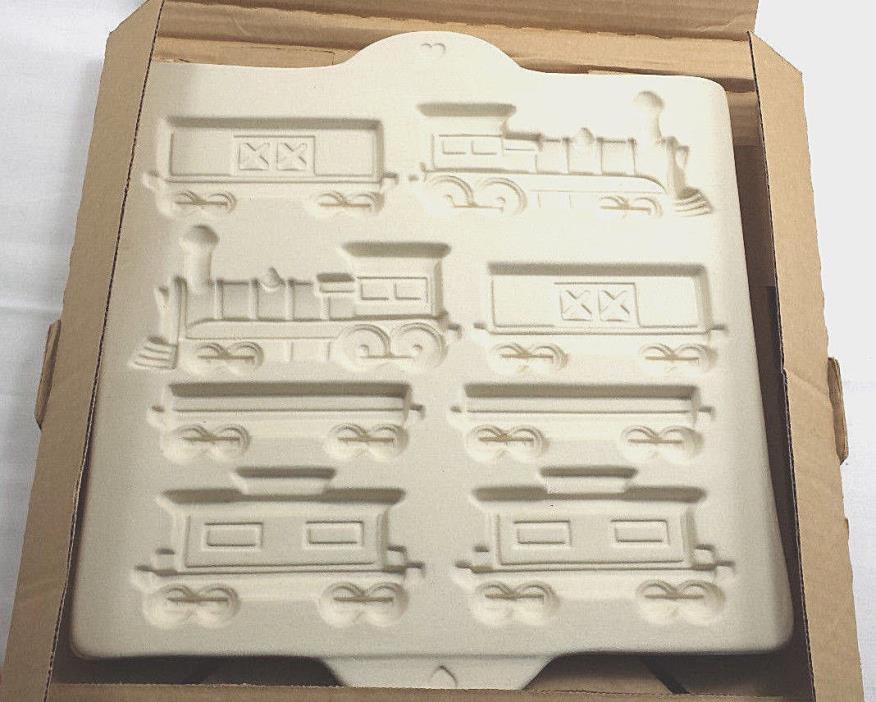3D Train Set Cookie Baking Mold Stoneware Rt Pampered Chef Christmas Gingerbread