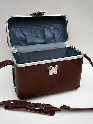 Vintage retro vanity train cosmetics case with shoulder strap