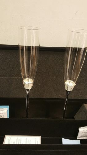 Pearlized Shell Wedding Flutes Brand new