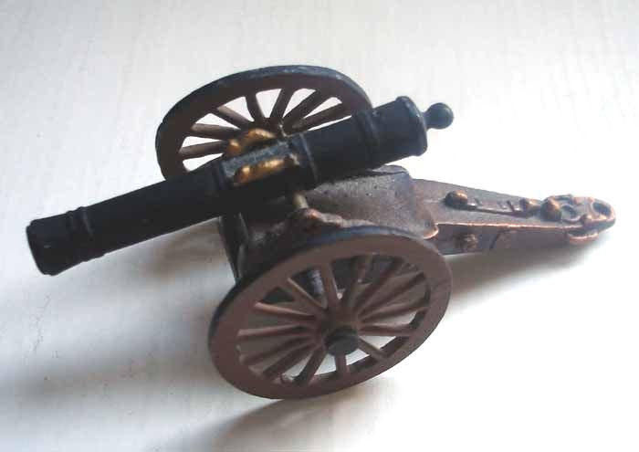 Vintage Miniature Civil War Cannon