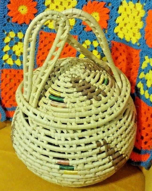 LARGE VTG DOUBLE HANDLED GLOBULAR BASKET WITH LID WICKERWORK Crafts Sewing NICE