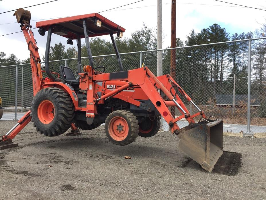 Kubota B21 Tractor 4x4 Diesel Backhoe, Loader Attachments Work Ready LOW HOURS