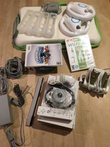 Nintendo Wii Kit W/Wii Fit Balance Board, Wii Fit + DVD EUC