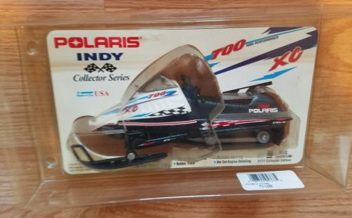1998 Polaris Indy 700 XC Snowmobile 1/16 Scale Die Cast Collector Series